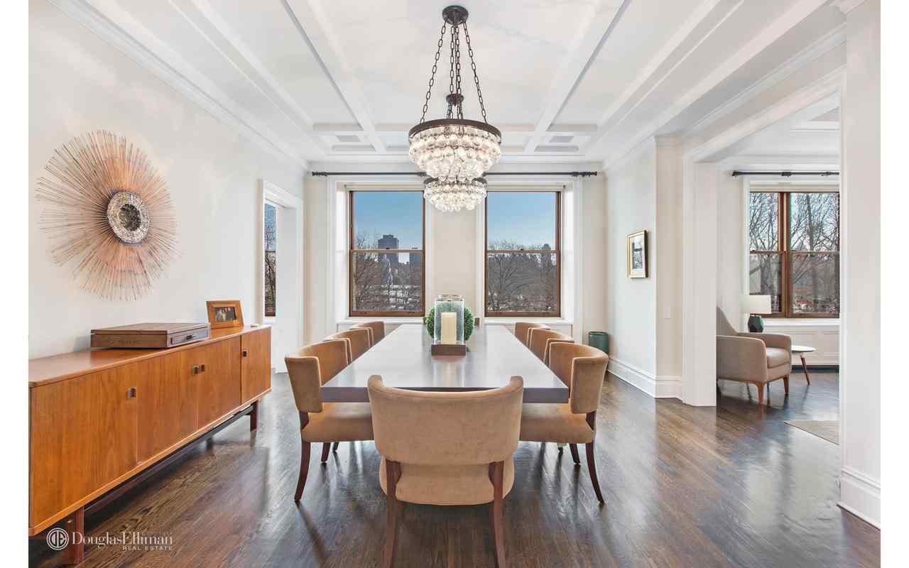 Брюс Уиллис продает квартиру на Манхэттене