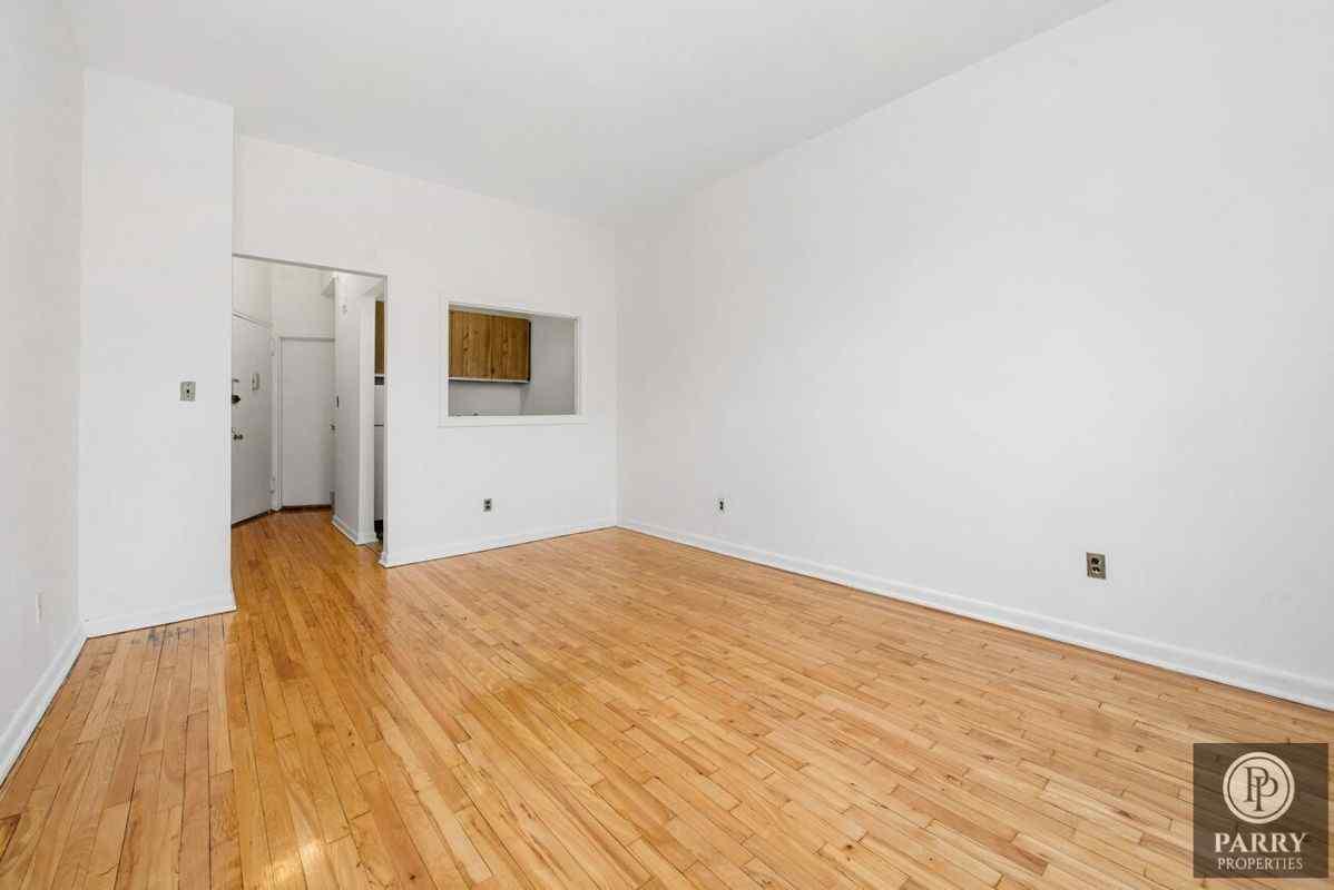 Самые дешевые квартиры февраля. Манхэттен, Нью-Йорк.
