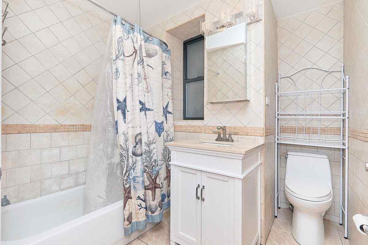 Самые дешевые квартиры сентября. Манхэттен, Нью-Йорк.