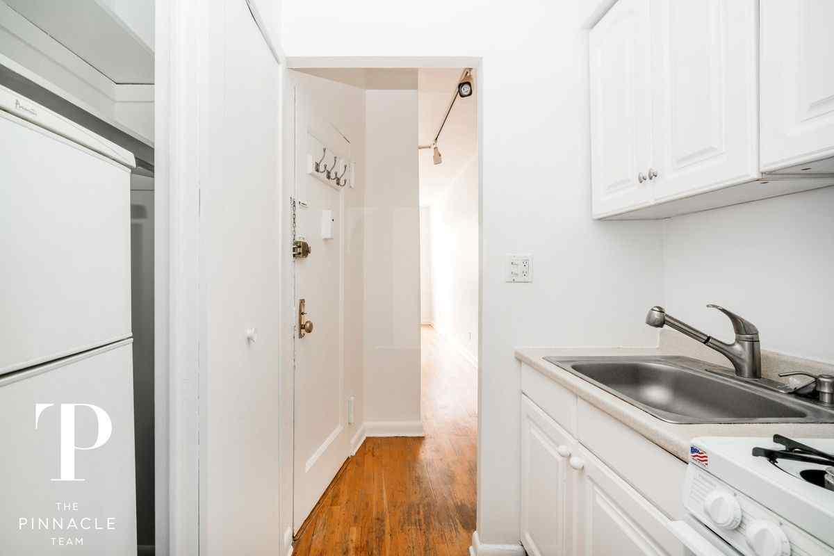 Самые дешевые квартиры октября. Манхэттен, Нью-Йорк.